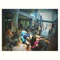 Photo taken at Makam Proklamator Bung Karno by chandri N. on 8/2/2015