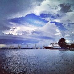 Photo taken at Esplanade (Padang Kota Lama) 舊關仔角 by reichen y. on 5/3/2013