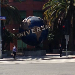 Photo taken at Universal Music Group by Tac A. on 3/25/2016