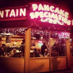Photo taken at Melrose Restaurant by Nic on 12/13/2012
