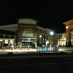 Photo taken at Freehold Raceway Mall by Chih-Han C. on 2/2/2013