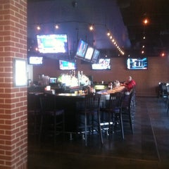 Photo taken at Lester's Sports Bar & Grill by Tom B. on 4/23/2014