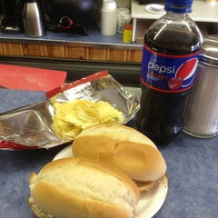 Photo taken at Billy D's Hamburgers by Tom D. on 3/12/2014