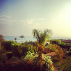 Photo taken at Best Western Solitaire Resort by Vickywiki on 10/21/2012