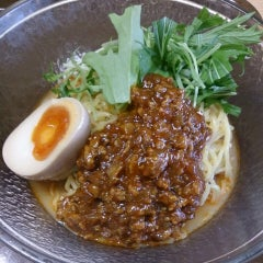 Photo taken at 京都ラーメン春陽堂 つかしん店 by Izumi T. on 5/20/2014