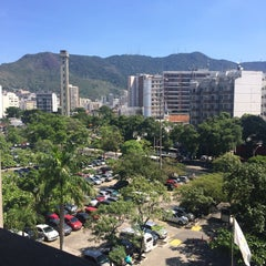 Photo taken at Faculdade de Direito by Claudia R. on 12/3/2014