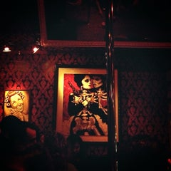 Photo taken at Eastside Luv Wine Bar y QueSo by Ana M. on 3/17/2013