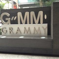 Photo taken at GMM Grammy Place (อาคาร จีเอ็มเอ็ม แกรมมี่ เพลส) by Mozila' M. on 2/1/2013