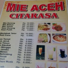 Photo taken at Mie Aceh CitaRasa by Dendy G. on 12/9/2012