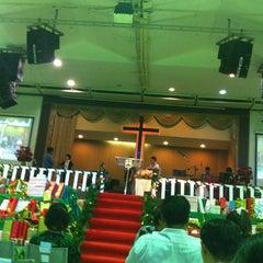 Photo taken at Hope Bangkok Church (คริสตจักรความหวังกรุงเทพฯ) by JajaaToffees L. on 12/30/2012