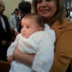 Foto tomada en Iglesia Parroquial La Medalla Milagrosa por Vicky T. el 2/2/2013