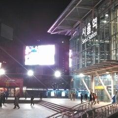 Photo taken at 서울역 (Seoul Station - KTX/Korail) by Takao I. on 1/25/2013