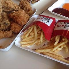 Photo taken at KFC (เคเอฟซี) by 🌺JOY T. on 10/21/2014