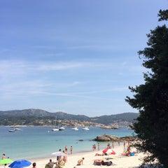 Photo taken at Praia de Castiñeiras by Julia A. on 8/20/2014