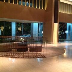 Photo taken at Grand Mercure Bangkok Fortune (โรงแรมแกรนด์เมอร์เคียว กรุงเทพ ฟอร์จูน) by Jusb F. on 8/14/2013