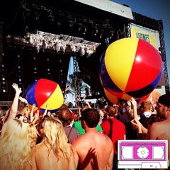 Photo taken at Chevrolet Stage at Hangout Music Fest by MixtapeAtlanta on 5/18/2014