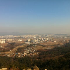 Photo taken at 칠보산 광어재 약수터 by Byoungho P. on 12/18/2012