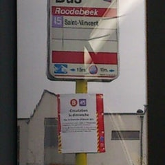 Photo taken at Roodebeek (MIVB / STIB | De Lijn | TEC) by Kevin . on 2/23/2013
