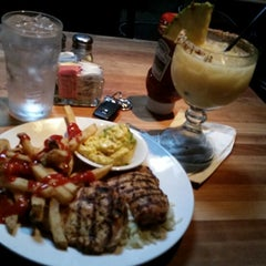 Photo taken at Cheddar's Casual Cafe by Panda L. on 6/19/2014