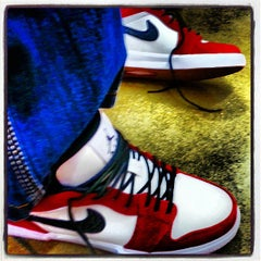 Photo taken at Nike Factory Store by Biggtwon™ on 5/13/2013