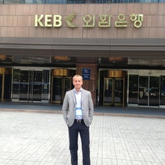 Photo taken at KEB 하나은행 by Oomka B. on 8/28/2013