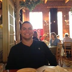 Photo taken at Pewter Rose Bistro by Jose L. on 12/1/2012