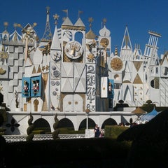 Photo taken at It's a small world by Merissa T. on 3/28/2013
