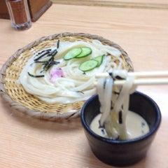 Photo taken at 手打うむどん 始祖 清水屋 by T e. on 8/14/2014