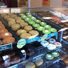 Photo taken at Krispy Kreme Doughnuts by ARaul A. on 4/27/2013