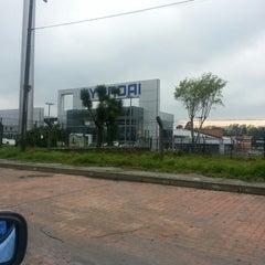 Photo taken at Hyundai Colombia Automotriz by Mauricio D. on 3/25/2013