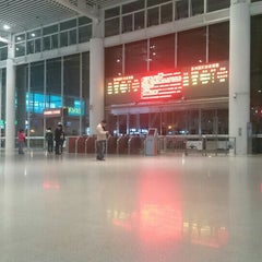 Photo taken at 苏州园区站 Suzhou Industrial Park Railway Station by Rene F. on 11/8/2015
