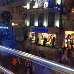 Photo taken at Bursa Izgara by Yunus B. on 10/16/2012