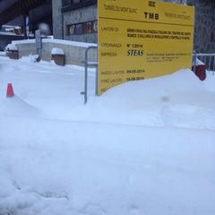 Das Foto wurde bei Traforo Monte Bianco [T1] - Piazzale Sud von Donata P. am 12/27/2014 aufgenommen