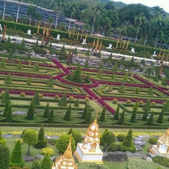 Photo taken at สวนนงนุช (Nong Nooch Garden & Resort) by Chaipat T. on 5/26/2013
