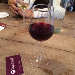 Photo taken at Vagabond Wines by Samantha M. on 8/23/2014