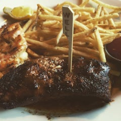 Photo taken at Claim Jumper by Moolan A. on 8/10/2015