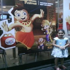Photo taken at McDonalds by Rekha A. on 5/16/2013