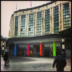 Photo taken at Gare de Bruxelles-Central / Station Brussel-Centraal by Maria on 2/17/2013