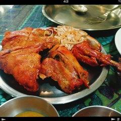 Photo taken at 에베레스트 Everest nepali restaurant by Daehwan K. on 8/10/2014