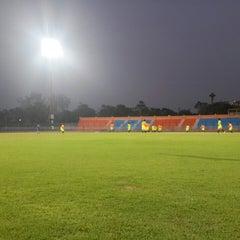 Photo taken at สนามกีฬากลางจังหวัดประจวบคีรีขันธ์ by Qu s. on 2/16/2015