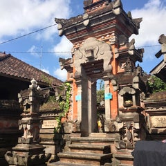 Photo taken at Ubud by Victoria F. on 9/2/2013