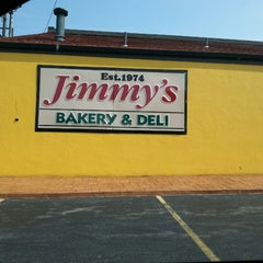 Photo taken at Jimmy's Italian Bakery and Deli by Joshua N. on 8/8/2014