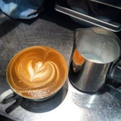 Photo taken at Peet's Coffee & Tea by Henry R. on 10/19/2012