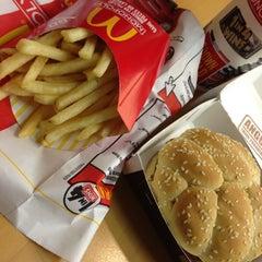 Photo taken at McDonald's by Iwasaku T. on 10/11/2012