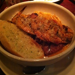 Photo taken at Pappadeaux Seafood Kitchen by Ja Q. on 10/12/2012