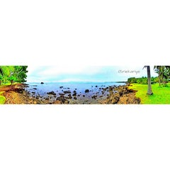 Photo taken at Pantai Anyer (Anyer Beach) by rieka on 4/3/2015