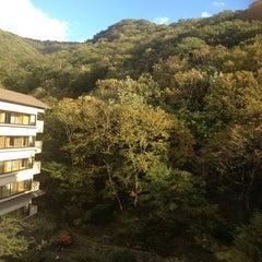 Photo taken at 登別温泉  第一滝本館 (Daiichi Takimotokan) by Henry HyunSeok K. on 10/19/2012