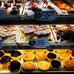 Photo taken at Madonia Bakery by Tokuyuki K. on 6/29/2013
