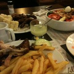 Photo taken at Villa Chicken & Grill by Grecia Ec V. on 5/1/2013