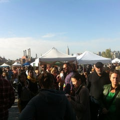 Photo taken at Brooklyn Flea - Williamsburg by Andrea D. on 10/20/2012
